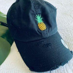 ✨NWT✨ Pineapple Baseball hat!